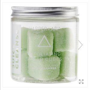 Harper Ari Exfoliating Sugar Cubes in juice clean